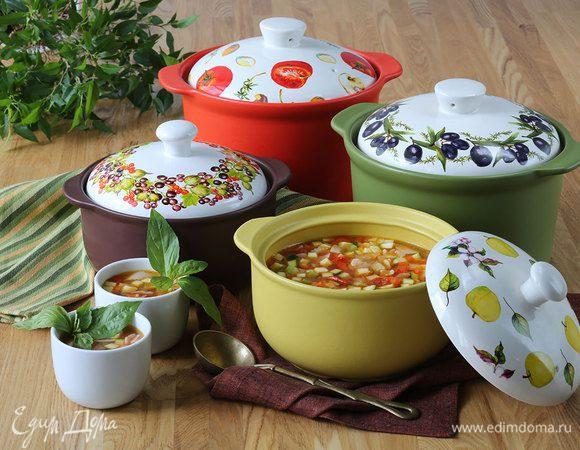 Готовим в керамике: 5 рецептов домашних супов на любой вкус