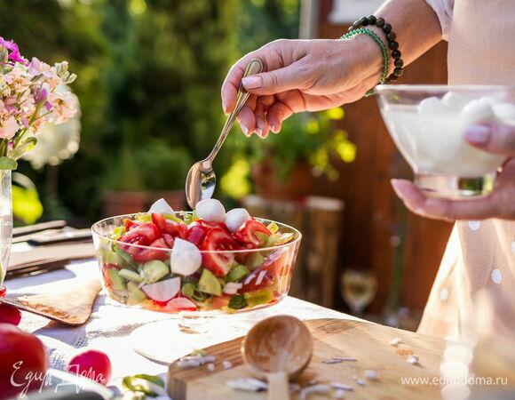 Скоро лето: подборка рецептов легких салатов для пикника