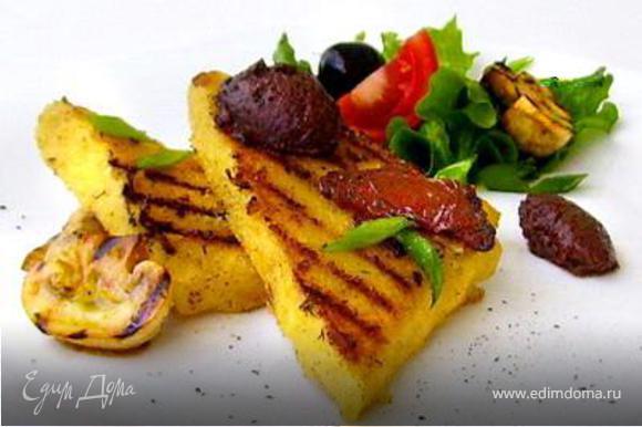 К семге можно подать лимонный майонез в качестве соуса,поленту и свежий салат на гарнир. ПРИЯТНОГО АППЕТИТА!