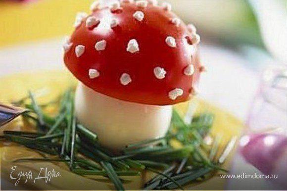 яйцо, помидор, зеленый лук, сметана или творог