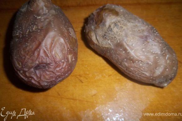Запечь картофель «в мундирах» 45 минут при 180С