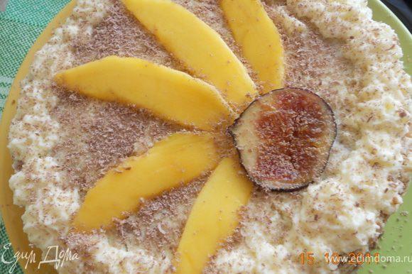 сливки взбить с сахаром до кремообразного состояния, и промазать этим кремом все коржи, оставить немного крема на украшение, сверху торт можно украсить любыми фруктами и посыпать тертым шоколадом! приятного чаепития!