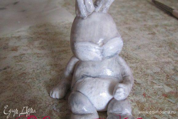 Когда кролик подсох его можно немного подкрасить.