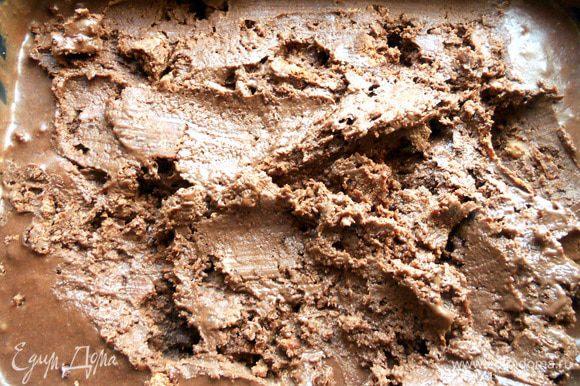 Получается вкуснейшее мороженое, с потрясающей бархатно-бисквитной текстурой!