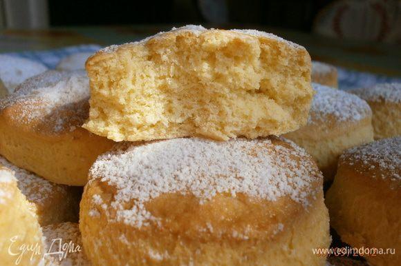 Печенье мягкое, немного мучнистое и не очень сладкое на вкус. Очень хороши к завтраку или на полудник. Сохраняют свежесть около недели.
