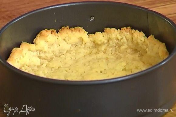 Охлажденное тесто отправить в разогретую духовку на 20 минут.