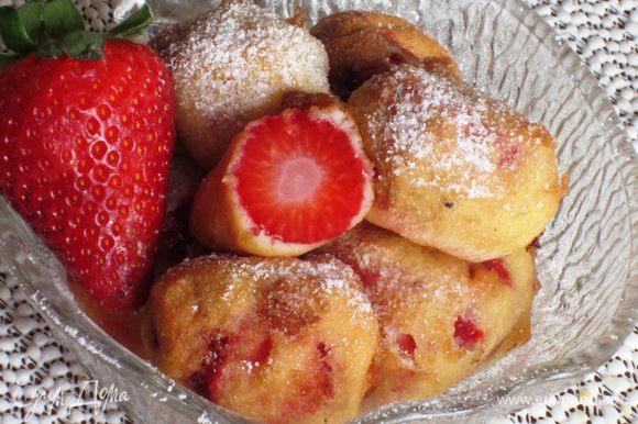 Посыпать сахарной пудрой и подавать. Приятного аппетита:)