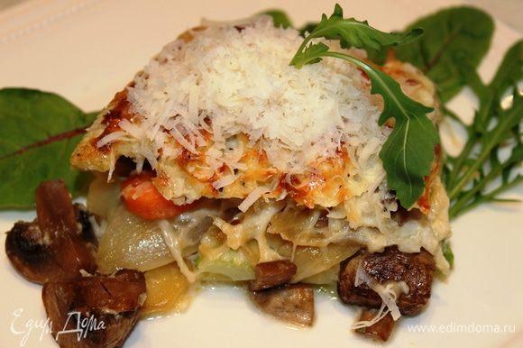 Соте-запеканка готова! Подавать это блюдо можно как в горячем виде, украсив сыром Пармезан и зеленью...