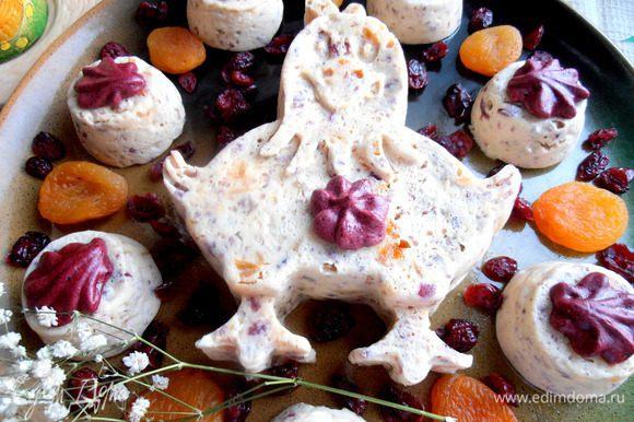Я украсила фруктовыми натуральными пастилками, которые гармонируют с клюквой по вкусу и цвету...