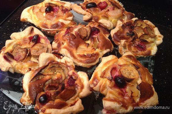 Пирожные теплыми выложить из формы. Приятного аппетита!!!