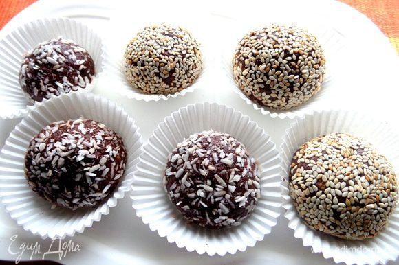 А вот и сами пирожные-конфетки: http://www.edimdoma.ru/retsepty/64864-shokoladnye-pirozhnye-s-fruktami
