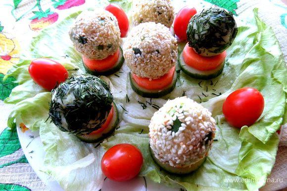 Угощайтесь,друзья, и экспериментируйте со своими добавками из зелени и семечек)))) Это весело и вкусно!!!!!