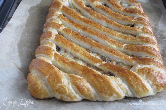 Пирог выпекать при 200 град 18-20 минут.