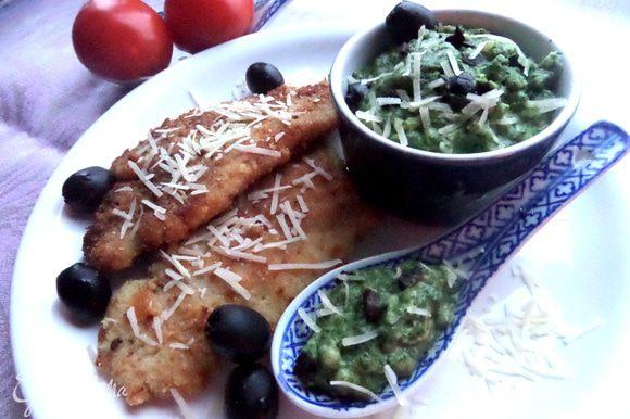 Попробуйте также нежнейший шпинат на соусе бешамель от Ирины! Съедается незаметно))) http://www.edimdoma.ru/retsepty/69571-shpinat-po-italyanski