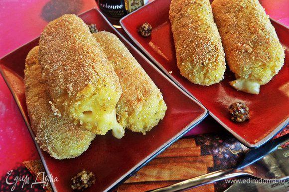 Предлагаю также попробовать палочки картофельные с сыром от нашей Пчёлки-Ирочки: http://www.edimdoma.ru/retsepty/56701-kartofelnye-palochki-s-syrom Вкусны и в горячем и в холодном виде)))