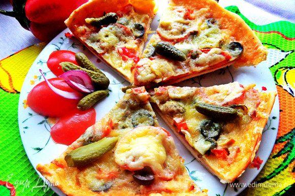 К утру от каждой из трёх пицц осталось по половине, вот и сделала фото :)