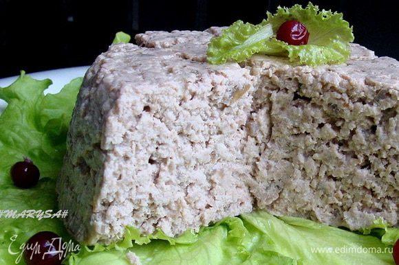 Получается довольно нежная субстанция. Можно намазать на тост, что особо рекомендуется, так как очень вкусно! Еще скажу по секрету, что это блюдо очень вкусно с сыром с голубой плесенью!