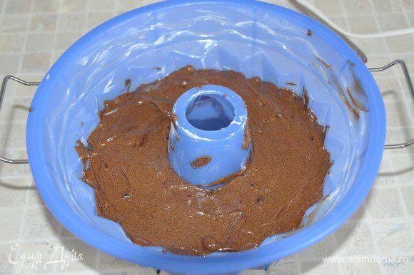 Ставим в разогретую духовку примерно на 35-40 минут. Ориентируйтесь по своей духовке, выпекаем до пробы на сухую лучинку. Аромат при выпечке – потрясающий!
