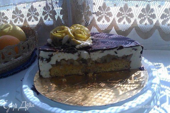 Торт делала в подарок, но фото разреза прислали :)