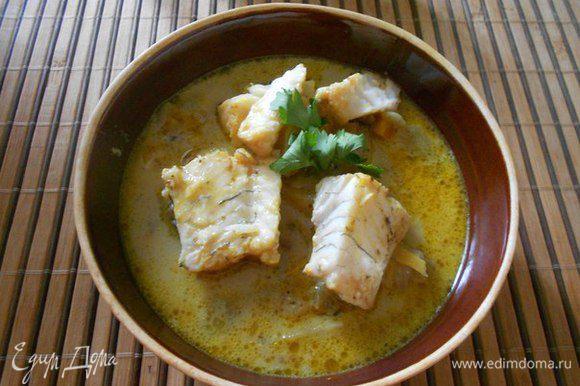 Выход 4 порции супа из рыбы «судак», в 4 горшочках по 350 миллилитров или 2 горшочках по 800 миллилитров. Если готовить рыбу с костями, тогда перед подачей готовый суп необходимо налить в тарелки. Рыбу филировать от костей.
