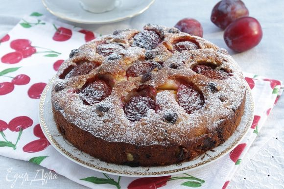 Запекайте пирог при 180С 45-55 минут.