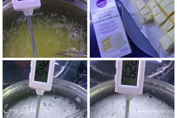 В моем случае, этим дело не закончилось. Именинница хотела цветы на торте. Как говорится, любой каприз.... Я обмазывала торт Швейцарским масляным кремом, из него же делала розочки. Кому интересно, предлагаю вариант рецепта: Масло из холодильника нарезать на небольшие кусочки и дать постоять, чтобы масло было комнатной температуры. Белки соединяем с сахаром в жароустойчивой миске. Установить на кастрюлю с кипящей водой. Нагревать на водяной бане, постоянно мешая лопаткой или венчиком. Белки надо нагреть до 72°C, поэтому пользуемся термометром.