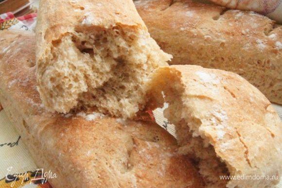 Мякиш... Батоны получаются мягкие, пышные с небольшим пивным ароматом и сладковатым вкусом.