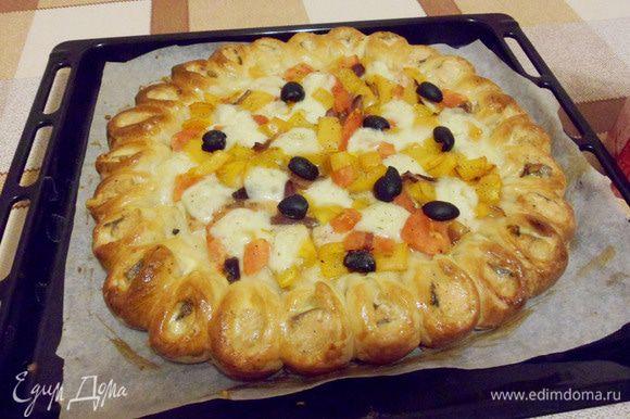 И так, пирог с лососем и моцареллой, готов!