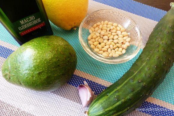 Подготовим ингредиенты для самого вкусного, для соуса.
