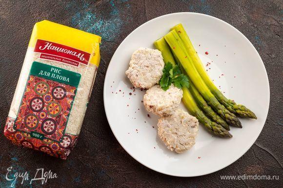 Готовьте полезные и вкусные котлетки в пароварке 30 минут. Подавайте к столу с овощами!