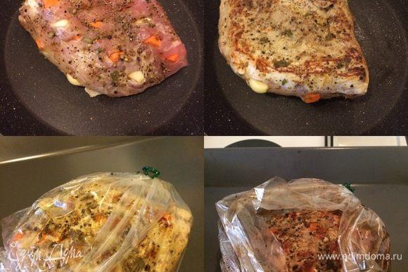 Духовку разогреть до 170°С. Сковороду с толстым дном хорошо разогреть и обжарить мясо со всех сторон на сильном огне. По 1-2 мин. с каждой стороны. Аккуратно положить мясо в рукав для запекания и жарить до готовности 1,5-2 часа. За 30 минут до готовности разрезать верх рукава, полить мясо образовавшимся соком, увеличить температуру духовки до 190°С и дать слегка подрумяниться.