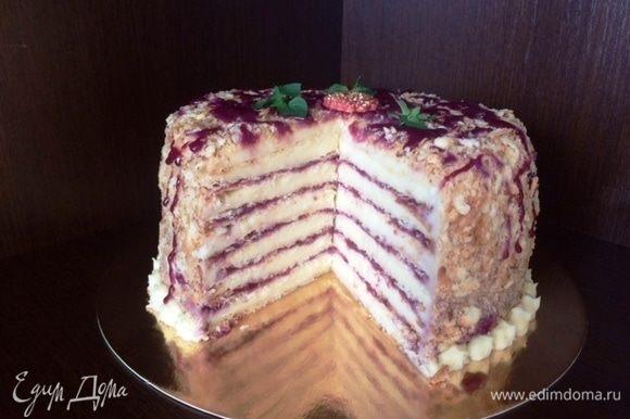Отправляем торт в холодильник часиков на 10-12.