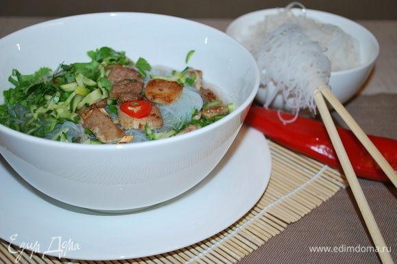 Суп готов, его можно кушать и в горячем, и в холодном виде.