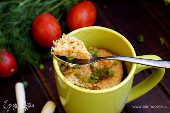 Этот кекс отлично подойдет к утреннему кофе. По достоинству его смогут оценить любители овсянки и сырных блюд. Приятного аппетита!