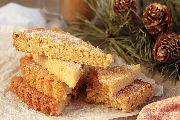 Шотландское песочное печенье готово! Печенье требует очень бережного отношения, потому что рассыпчатое. Очень нежное и очень вкусное. Можно подать как пирожное с шариком мороженого. Приятного аппетита!