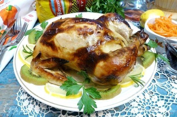 Курица, фаршированная гречкой с вишней, готова. Приятного аппетита!