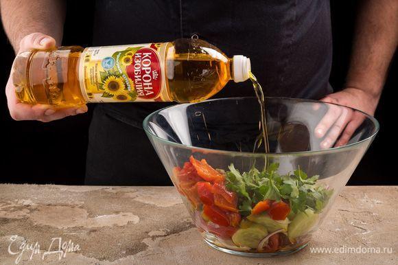 Сбрызните салат нерафинированным подсолнечным маслом ТМ «Корона изобилия».