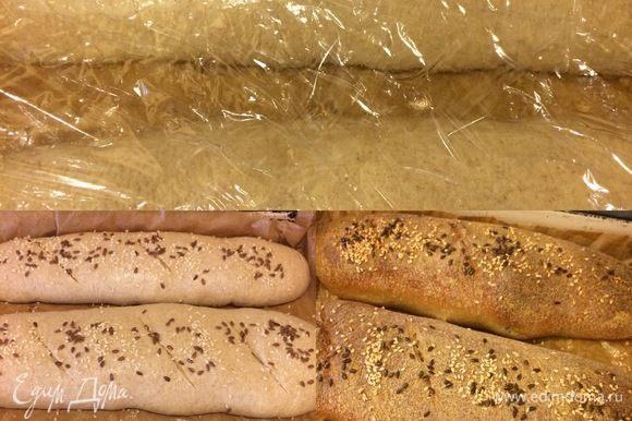 Достать хлеб из холодильника и оставить при комнатной t° на 1-1,5 часа. За ночь багеты заметно увеличились в размере. Духовку нагреть до 220°С. Хлеб сбрызнуть теплой водой, сделать надрезы, посыпать семенами и отправить в духовку. Выпекать с паром 20 минут при 220°С, затем уменьшить до 200°С и выпекать до готовности (10-20 минут).