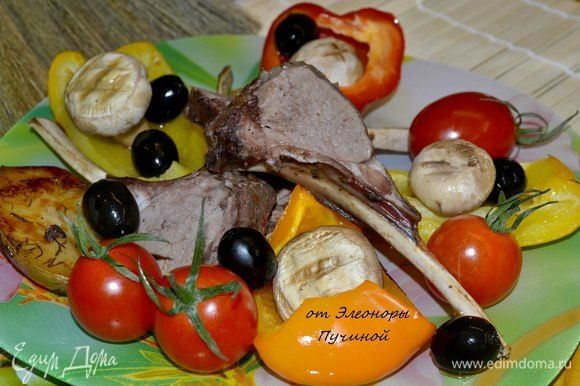 С овощами и грибами.