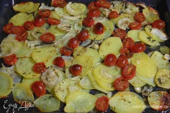 Подавать с запеченными овощами.