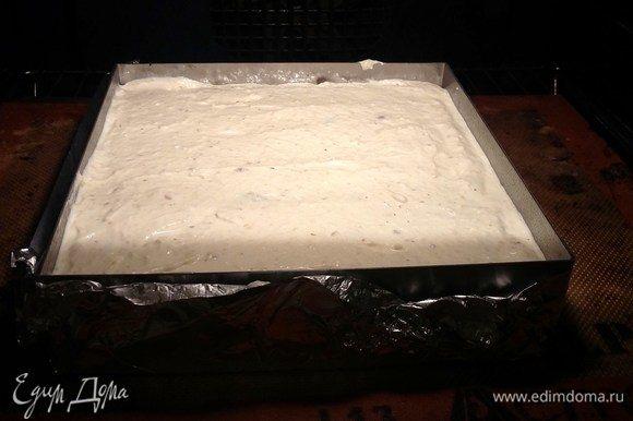 Выкладываем массу в форму и отправляем в разогретую духовку на 170°С на 40–50 минут до образования красивой корочки. Готовую запеканку обязательно оставить на час-полтора при открытой дверце остывать.