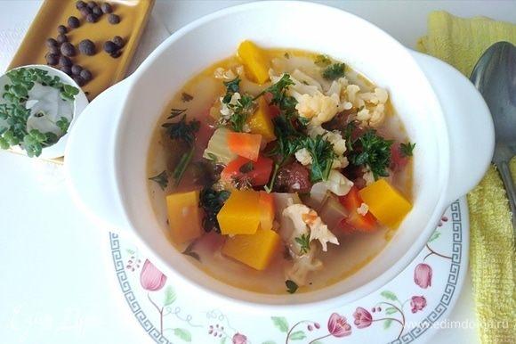 Питательный и вкусный суп готов!
