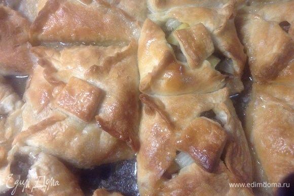 Чуть остыли после духовки, маслицем растительным их смазали.