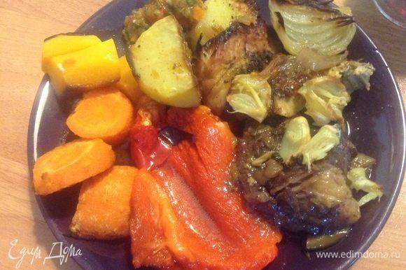 В общем-то, к столу! Овощи печеные, соус армянский.