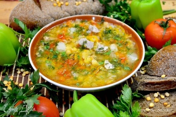 Посыпать суп свежей зеленью при подаче!