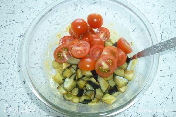 В тесто добавить овощи, перемешать.