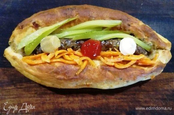 По вкусу подаем с маринованным огурчиком, корейской морковью, дижонской горчицей.