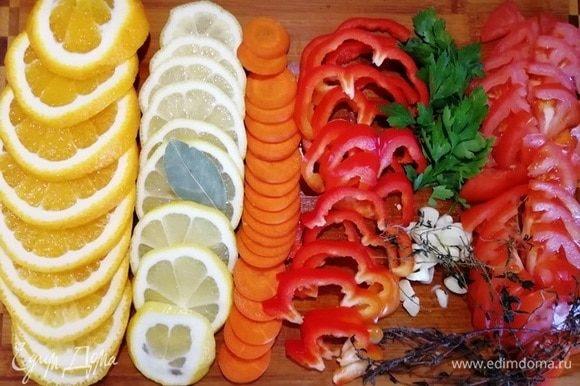 Подготовим все необходимые овощи и цитрусовые.