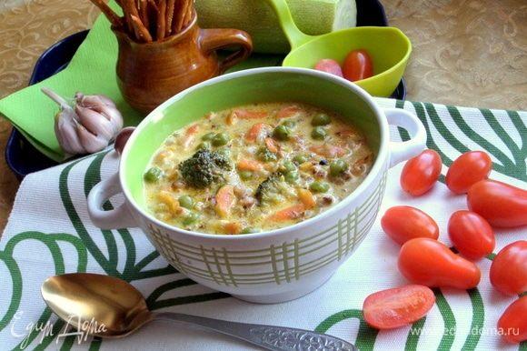 Удобно варить такой суп на даче с молодыми овощами.