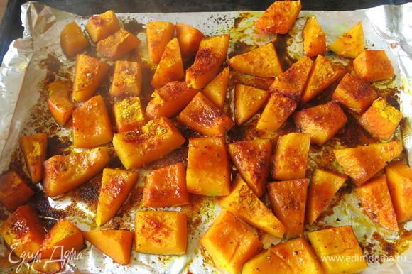 За это время тыква будет готова. Получаются очень ароматные кусочки, хороши и как самостоятельное блюдо.